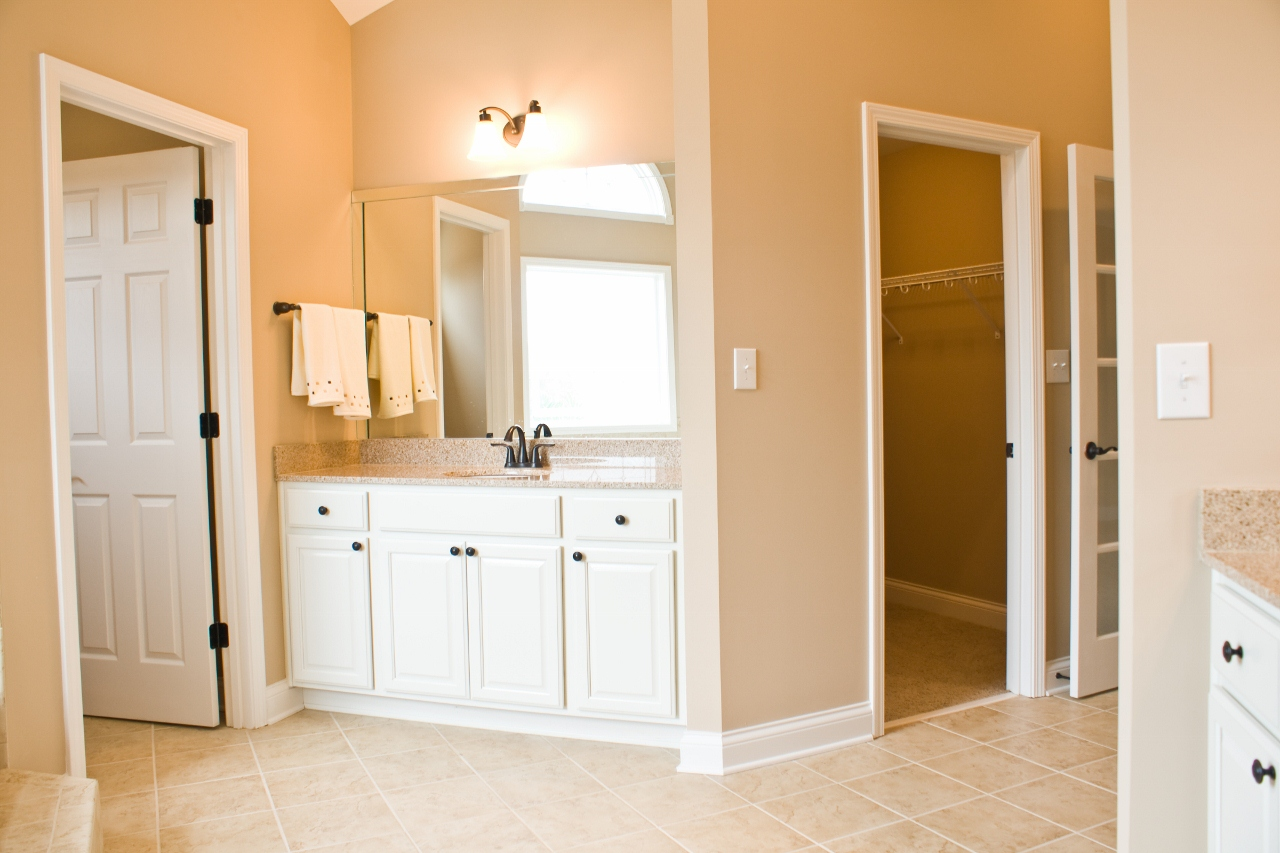 100 double vanity bathroom cherry bathroom cabinets master for Bathroom cabinets knoxville tn